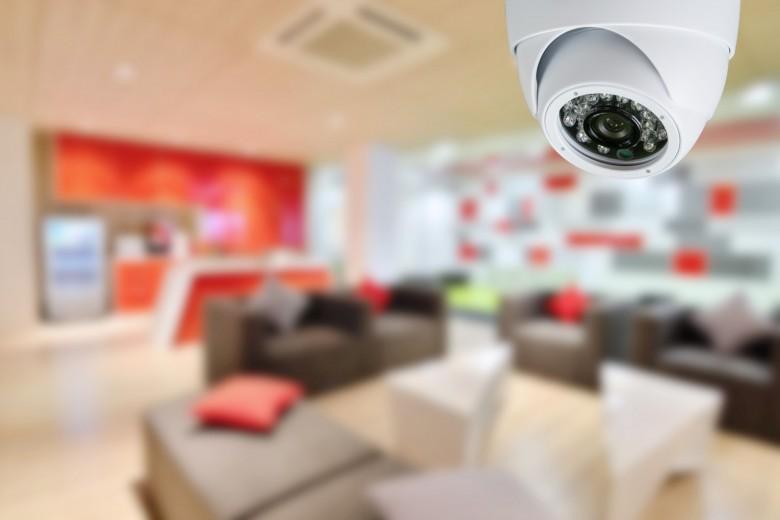 Σύστημα βιντεοεπιτήρησης σε χώρο εργασίας: Πρόστιμο 7.000 ευρώ σε επιχείρηση από την Αρχή Προστασίας Δεδομένων